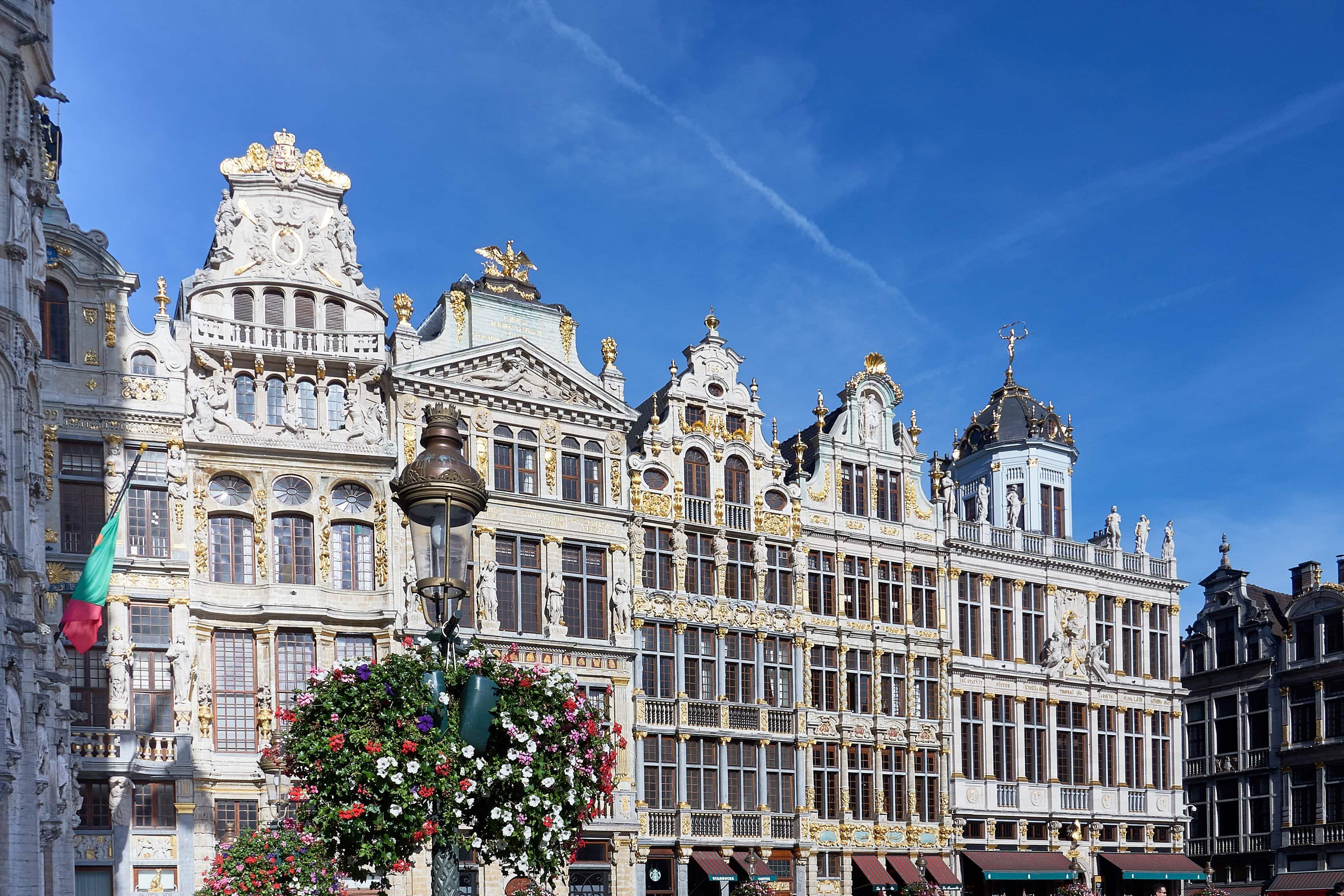 barocke gold verzierte Fassaden am Grand Place Brüssel