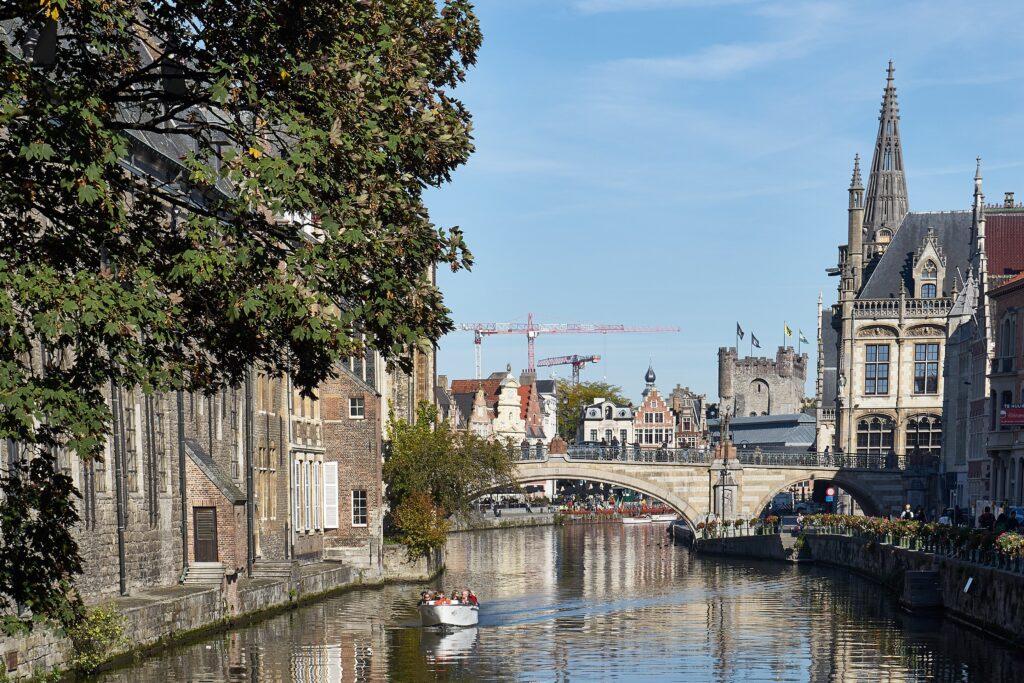 die berühmte Aussichtsbrücke im Zentrum von Gent