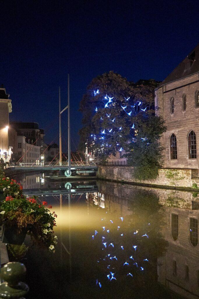 Drehbrücke an der Leie bei Gent bei Nacht