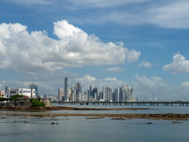 Panama Stadt zwischen Skyline und Casco Viejo