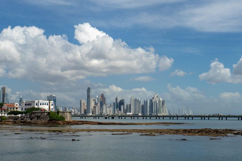 Panama Stadt: Skyline und Casco Viejo | travellingcarola