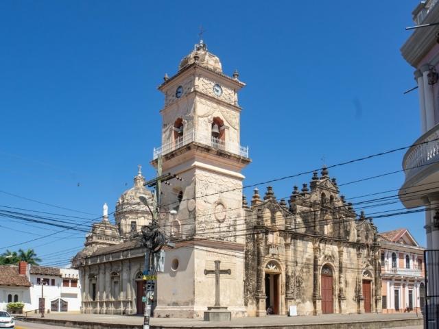 Nicaraguas Kolonialstädte: Eglisia Merced Granada