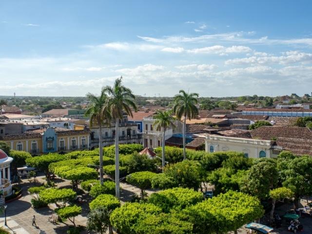 Nicaraguas Kolonialstädte: Park in Granada