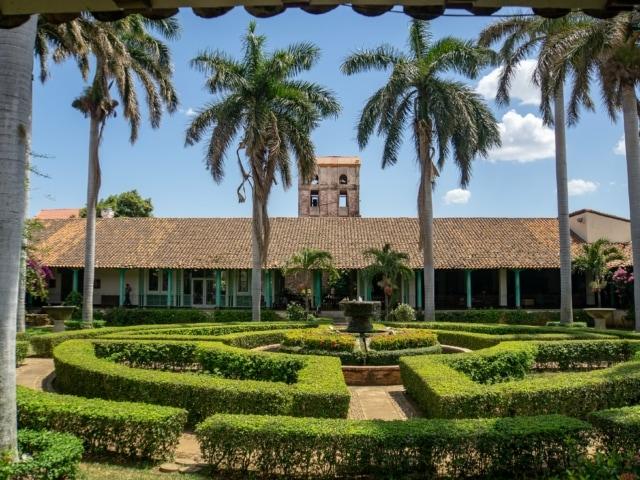 Nicaraguas Kolonialstädte: Innenhof des Hotels Convento