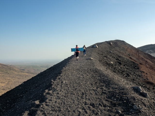 Nicaraguas Kolonialstädte: Vulkanboarding am Cerro Negro
